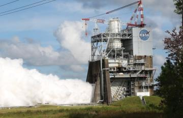 Aug. 18, 2016 - Aerojet Rocketdyne's RS-25 engine fires for 420 seconds at NASA's Stennis Space Center